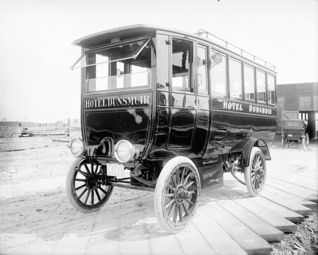 1913? LGN 1267.1 - [Electrically operated bus used by the Dunsmuir Hotel to meet boats at the docks