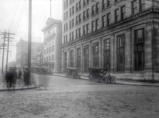 1919 CVA 789-41 - [Homer Street looking south from Pender Street]