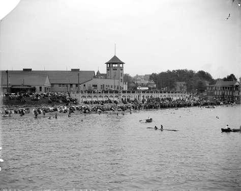 CVA Lgn 467 - Crowds at English Bay in front of Bathhouse and Imperial roller skating rink. Richard H. Trueman photo, 1909?