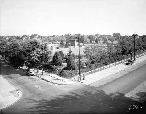 1934 City N29.2 - [10th Avenue and Cambie Street, site of City Hall] WJ Moore