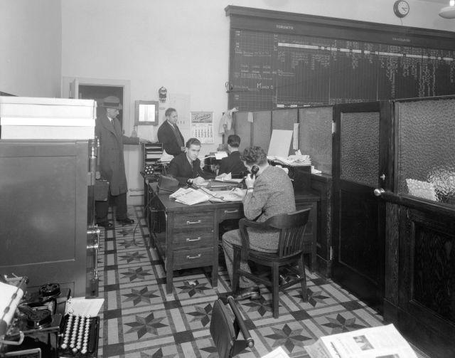 CVA 99-4717 E J Gibson Co., Ltd. Office interior at 791 Dunsmuir St. Stuart Thomson, 1935.