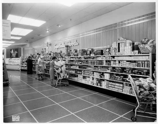 vpl-77977e-woodwards-oakridge-specialty-foods-section-food-floor-aug-1961-dominion-photo