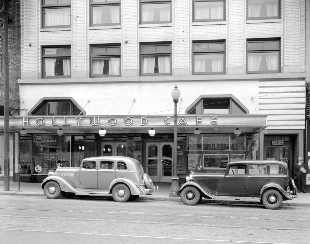 CVA 99-4884 - Hollywood Cafe [at 872 Granville Street], 1936,  Stuart Thomson photo.
