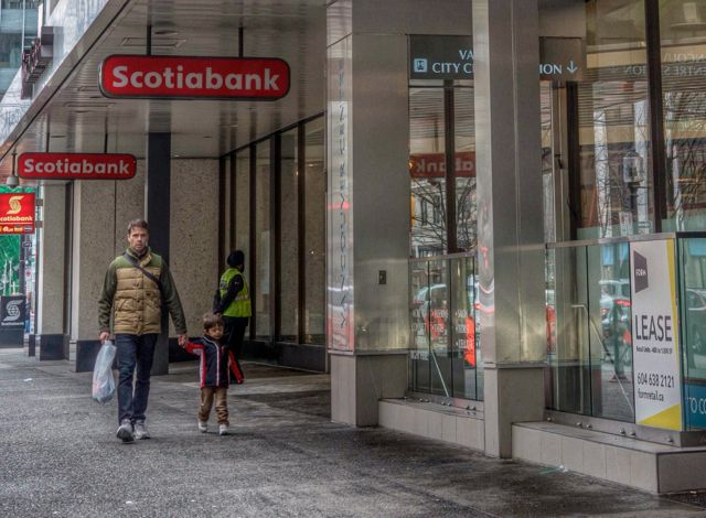 Vancouver Centre (Scoita Bank and Tower above ground), 2015. Author's Photo.