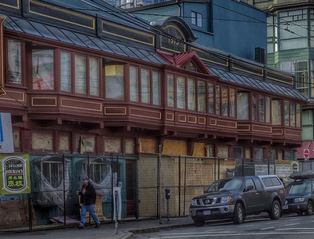 Pender at Carrall. Shallowest building in Vancouver - Chinatown. Currently having a facelift. 2015. Author's photo.