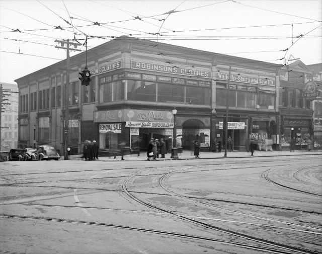 CVA Str N72 - [Corner of Hastings and Richards Street]. 1938. W.J. Moore photo.