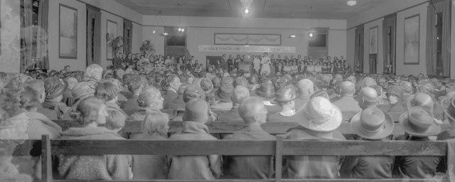 CVA 99-5233 - [Unidentified Church Congregation], 192- , Stuart Thomson photo.