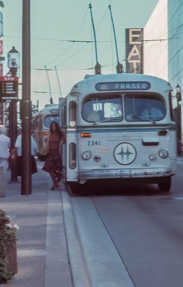 CVA 800-319 - [Bus shelter] Al Ingram, 1976.