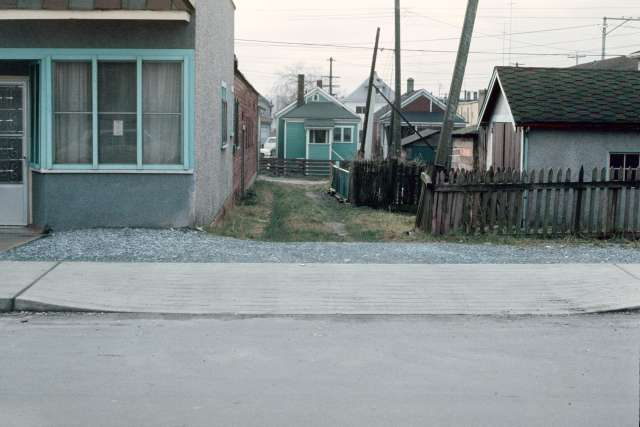 CVA 800-199 - L:W Hawkes Union St - L:S Union. Res street; laneway behind 708 Hawkes Ave. 1978. Al Ingram photo.