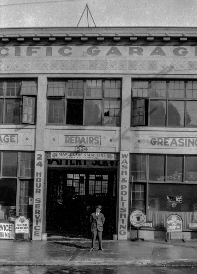 CVA 1376-672 - [Exterior of Pacific Garage at 524 Homer Street]. 1930.