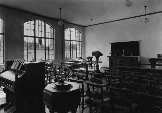 CVA 677-191 - Chapel of Anglican College [later part of the Vancouver School of Theology], 1934. P. T. Timms photo.