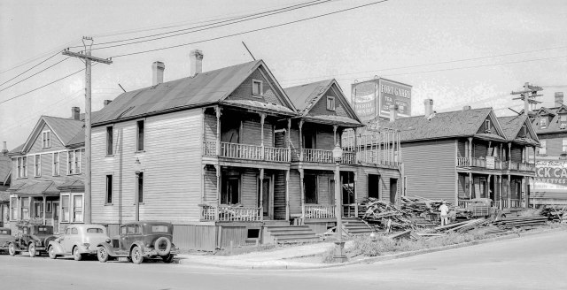 CVA: Str N100 - [Houses being demolished on south west corner of Georgia and Beatty streets]. 1940. W. J. Moore photo.