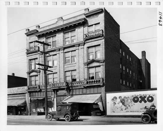 VPL 11463. Toronto House Apartments, 769 E. Hastings. 1923. Stuart Thomson photo.