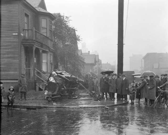 CVA 99 - 3256 - Wrecked Chev[rolet] - Corner Seymour & Nelson ca 1920 Stuart Thomson photo.