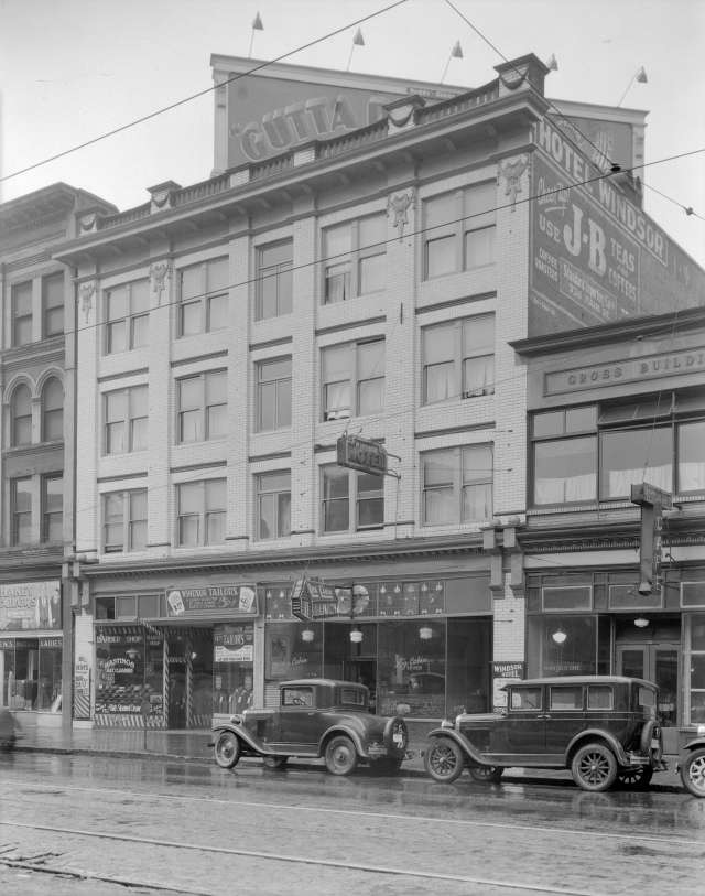 CVA 99-3884 - Windsor Hotel [at 52 East Hastings Street]. 1931. Stuart Thomson photo. (Full, uncropped version of the image at the beginning of this post).