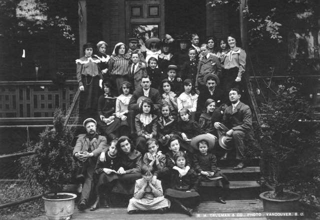 CVA - Port P1375 - [The Pollard Liliputian Opera Company on the steps of the Badminton Hotel] ca 1905 R. H. Trueman photo
