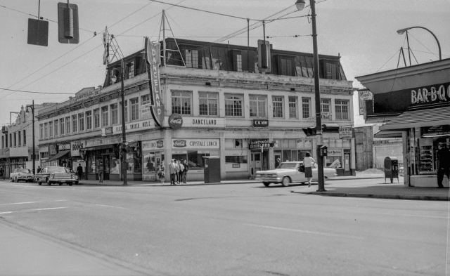 CVA 447-351 - S.E. Corner Robson and Hornby Sts. 1965 W. E. Frost photo.