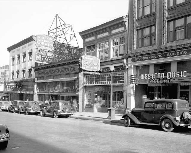CVA - Str N138 - [View of the 500 Block Seymour Street] 1937 W J Moore photo.