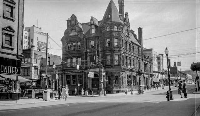 CVA 447-333 - Imperial Bank [of Canada - 586 Granville St.] - Formerly flagship of Bank of Montreal - 1955. W. E. Frost photo.