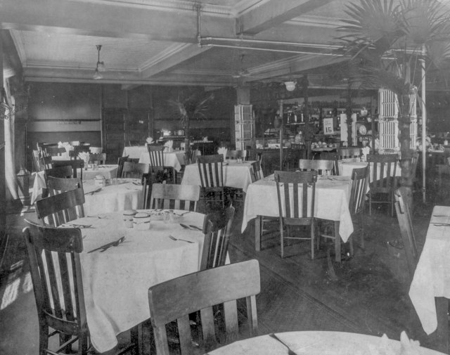 cva-809-27-woodwards-dining-room-at-hastings-street-and-abbott-street-ca-1910