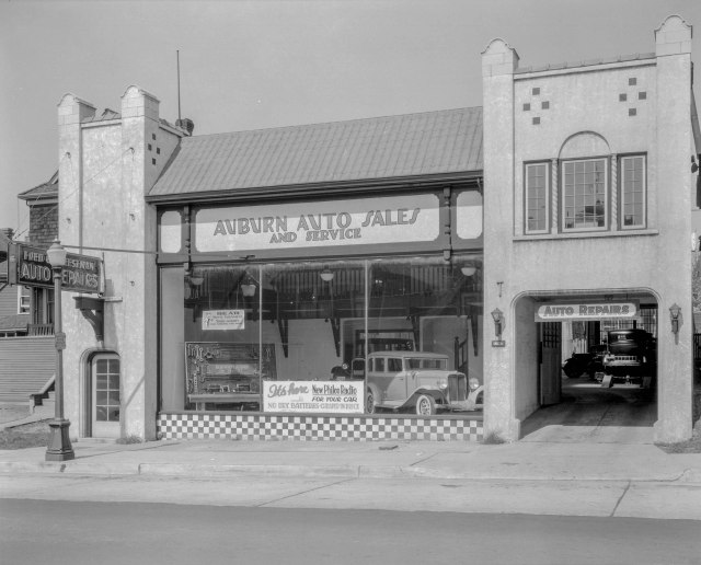 CVA 99-4337 - F. Cheeseman's Garage [at 1147] Howe Street 1933 Stuart Thomson photo.