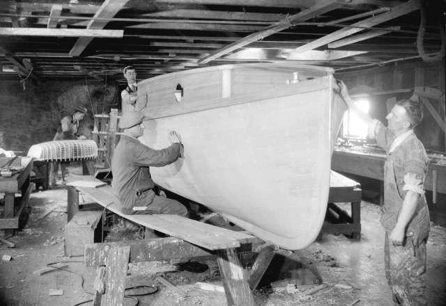CVA 99-2527 Vancouver Shipyards taken for Mitchell Printing. 1931. Stuart Thomson photo.