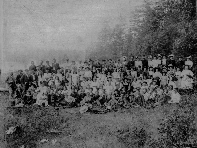 Ch P136 - [Congregational Church picnic] 1891. (Note: The author has enhanced the image a bit to improve its general over-exposure).