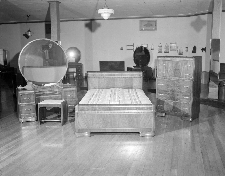 Incroyable CVA 1184 1986   [Furniture Display At Hammond Furniture] 1940 48 Jack