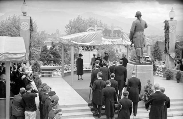 CVA 95-6 - [King George VI and Queen Elizabeth at reception outside City Hall] 1939 Ken Pattison photo,