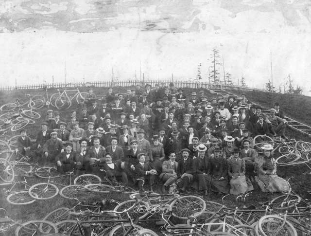 Sp P18 - [Terminal City Cycling Club at the reservoir near Prospect Point] 1892