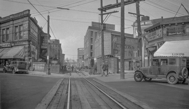 cva-447-285-cpr-rly-canadian-pacific-railway-tracks-and-carrall-street-ca-1930-we-frost-photo-2