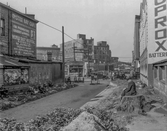 gf-n3-c-p-r-right-of-way-between-cordova-and-carrall-streets-1935