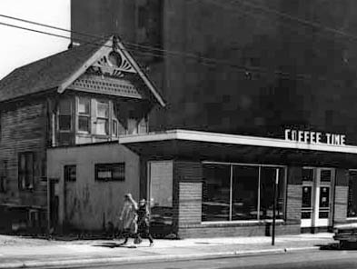 vpl 1040 Coffee Time Cafe on Robson Street (North Side) April 1966. W. Roozeboom photo