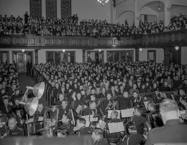 CVA 1184-2675 - [Congregation and band at a Salvation Army service] 1940-48 Jack Lindsay photo
