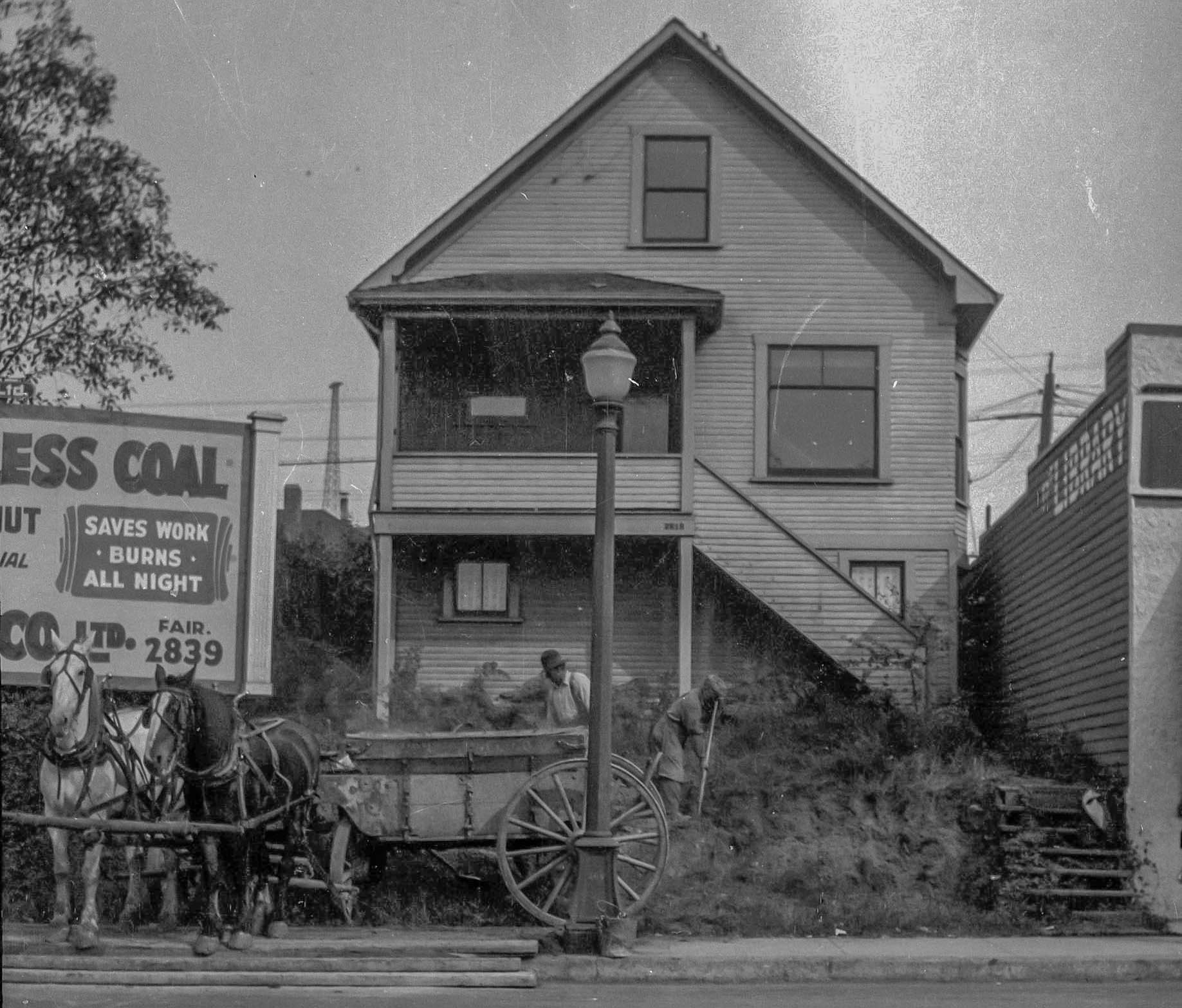 CVA 1376-517 - [Clearing the lot at 2818 and 2820 Granville Street] 1928_