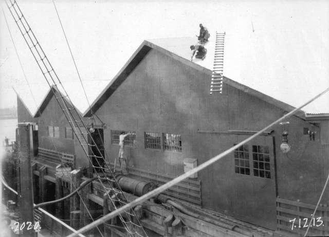 CVA 152-1.180 - [Construction progress photograph of the CPR Pier %22A-B%22 extension] July 1913.