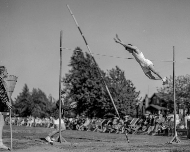805-43 - St. George's School - Sports Day May 1939 Dominion Photo