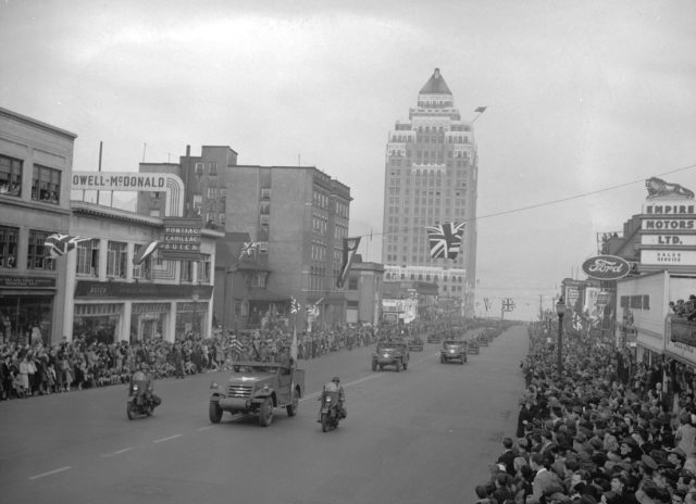 Crop of CVA 586-2130 - Victory Loan parade [on Burrard Street] 1942