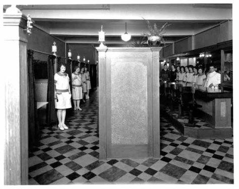 VPL 8927 Interior of Peter Pan Cafe (1138 Granville St) 1929 Stuart Thomson Cafe