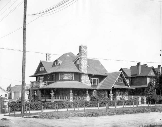 CVA M-11-62 - A West End home [probably on the 1100 block of Georgia Street] 191- Richard Broadbridge photo