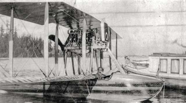 air-p73-2-hoffar-seaplane-on-the-water-in-coal-harbour-1915