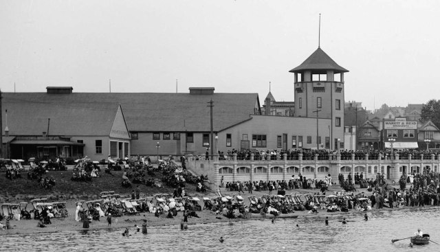 lgn-467-crowds-at-english-bay-in-front-of-bathhouse-and-imperial-roller-skating-rink-1909-richard-h-trueman-photo-2