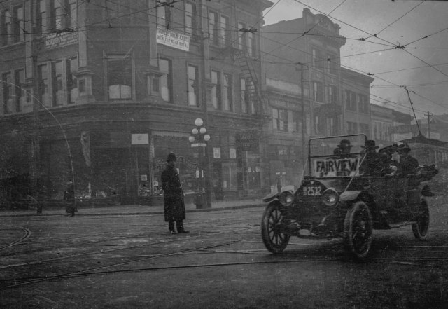 trans-n87-08-taxicabs-on-granville-street-at-robson-street-191