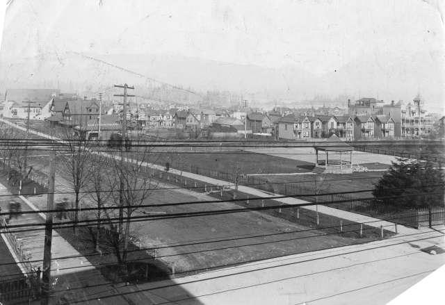 str-p33-the-c-p-r-park-at-the-corner-of-georgia-street-and-granville-street-c-1900