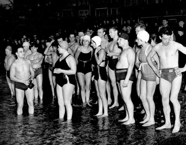 cva-371-836-the-polar-bear-club-about-to-go-for-a-swim-on-new-years-day-jan-1-1939
