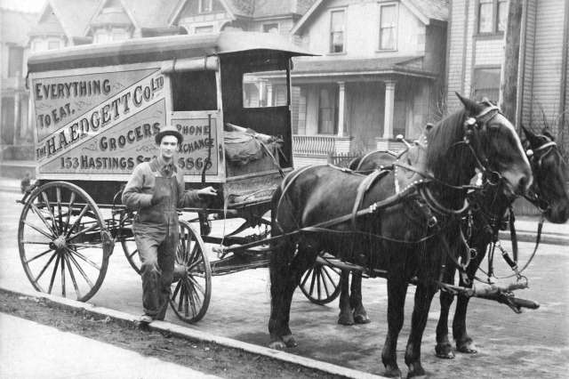 Str P278 - An H.A. Edgett Company Limited grocery delivery wagon on Hamilton Street 1908