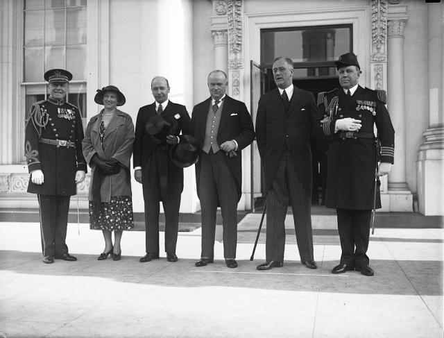RICHARD_B._BENNETT_AT_THE_WHITE_HOUSE with Wm D. Herridge at left of PM R B Bennett 1933