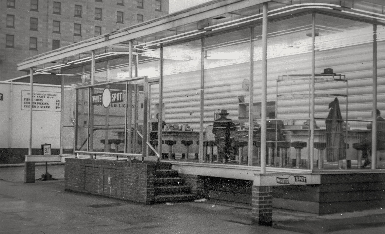 CVA 1376-17 - White Spot [drive in] restaurant [850 Burrard Street] 1952? Werner Leggenhager