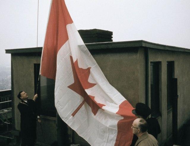 CVA 160-26 - City Hall; New Flag - Spread Out 1965 William O. Banfield-2