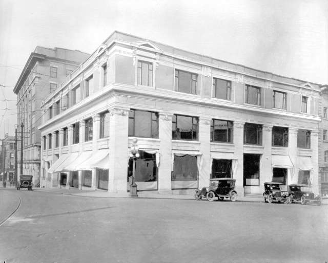 Bu N516 - [The Province buildings at Pender and Cambie Streets] 192-? (Date is CVA-attributed)